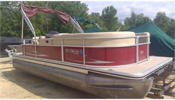2011 200 CX Cruiser pontoon w/ 50 Four stroke Mercury