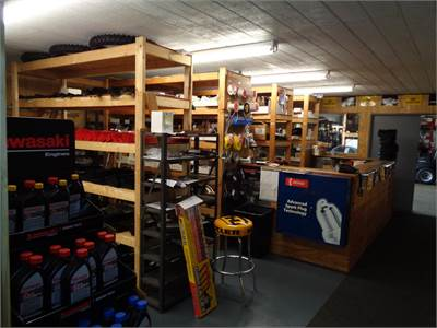 PARTS AND SECONDARY SHOWROOM AREA