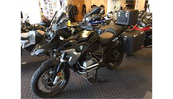 2019 R1250GS EXCLUSIVE W/ BAGS AND MANY OTHER ACCESORIES