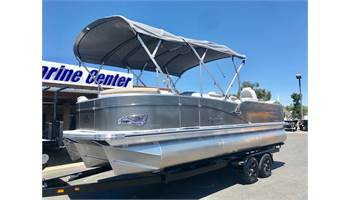 2019 Catalina Rear Fish 23' w/ 150 HP Mercury 4 Stroke!