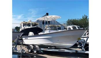 2019 23'   MariTime  233 Defiant Center Console ..  4-Stroke OB ..  T-Top .. Trailer