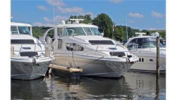 2003 390 Motor Yacht - One Owner, Turn Key, Fresh Water Boat