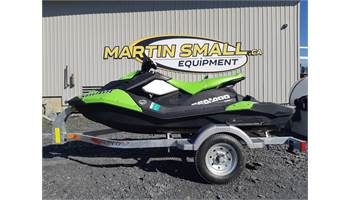 2017 SPARK 3up Rotax 900 HO ACE™ w/iBR, Convenience Pkg