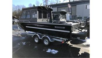 22' Dual Console w/Offshore Bracket & Extended Bottom