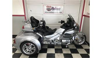 2015 GL1800HP GOLD WING AUDIO-COMFORT/CSC VIPER TRIKE
