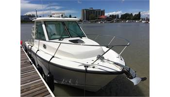 2014 285 Conquest Pilothouse