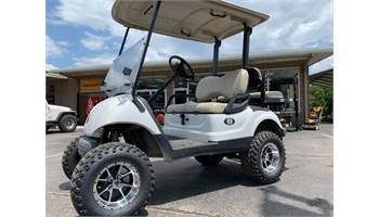 2015 USED-2015 YAMAHA GOLF CART (LIFTED, BACKSEAT, GAS)