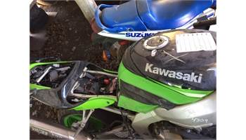 2000 ZX6-PARTING OUT