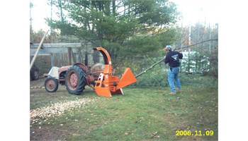 624PTO Gravity Feed Chipper