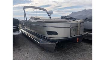 2018 Catalina Entertainer 25'