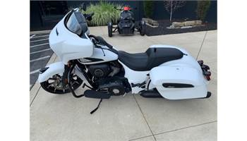 2019 CHIEFTAIN DARK HORSE, WHITE SMOKE, 49ST