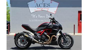 2011 DIAVEL CARBON RED