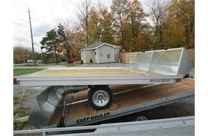 101x10 aluminum snow trailer with front guard