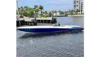2005 42 Executioner - Boat is in Miami Beach