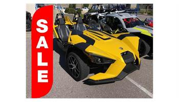 2018 Slingshot® SL - Icon Series Daytona Yellow