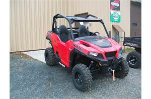 Polaris GENERAL™ 1000 EPS - Indy Red *******CLEARANCE SALE ********  SAVE $3400 COMPARED TO SAME 201