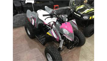 2018 Outlaw® 110 EFI - Avalanche Grey/Pink Power