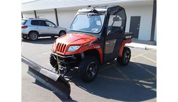 2014 Prowler® 1000 XTZ-FULL CAB & HEATER-PLOW- LIKE NEW!