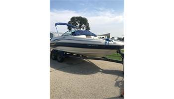 2002 190 Sundeck With Trailer and Motor!