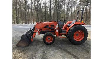 2002 DK40 Shuttle Tractor w/ Woods Loader *Quick Attach & Front Hyd*