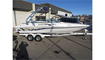 2003 BOATS 232 Interceptor Bowrider Purple