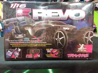 Traxxas E-Revo: 1/16-Scale 4WD Racing Monster Truck