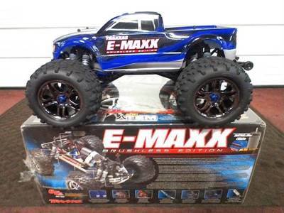E-Maxx 1/10 Scale 4WD Brushless Monster Truck