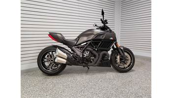 2016 DIAVEL CARBON