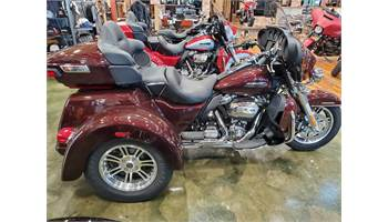 2019 Tri Glide® Ultra - Color Option