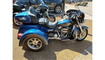 2018 Tri Glide® Ultra - Two-Tone Option