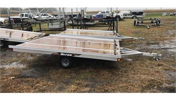 2018 XT10-101 QP 2-Place Tilt Snowmobile Trailer