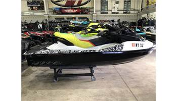 2015 WAKE™ PRO 215 Book Val $9780 Call for our price