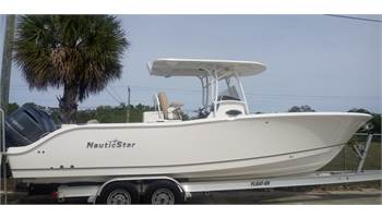 2019 28 XS   (Located in NEW SMYRNA BEACH)