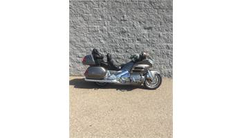 2004 GOLD WING