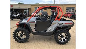 2018 Commander™ XT™ 1000R Brushed Aluminum & Can-Am Red