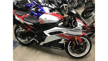 2012 YZF-R6 - Pearl White/Candy Red