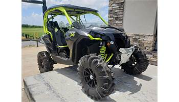 2015 Maverick™ X® ds TURBO - Carbon Black/Manta Green