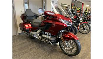 2018 Gold Wing Tour DCT - Candy Ardent Red