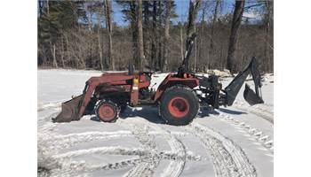 Case IH 245 4x4 Tractor w/ Loader w/ Arps 7ft Backhoe
