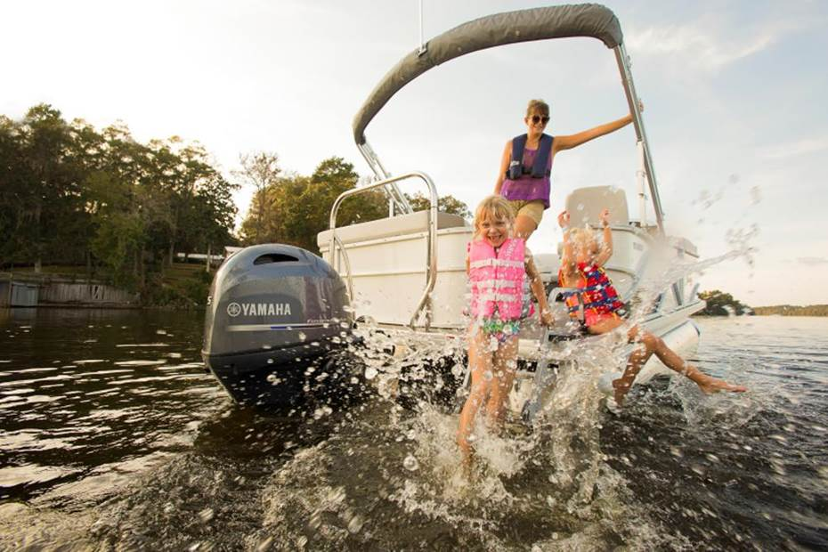 Kids Splashing on Pontoon with Yamaha F75 Outboard