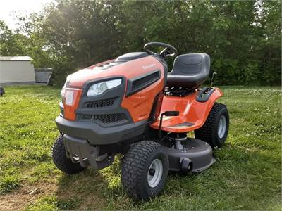 YTH22V46 Riding Mower RL