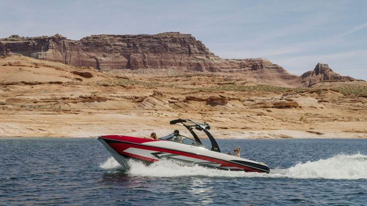 Helix-Boats-Watersports-Boats-for-Family-1024x576