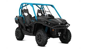 2016 Commander™ XT™ 800R - Matte Black & Octane Blue
