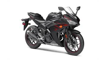 2017 YZFR3AHW