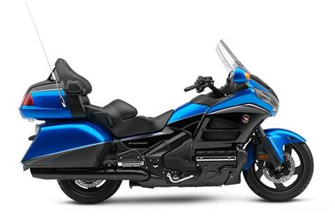 2017 Gold Wing Audio Comfort - Ultra Blue Metallic