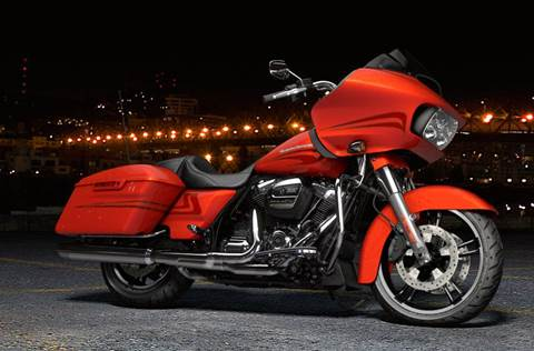 2017 FLTRXS Road Glide® Special - Custom Color Option