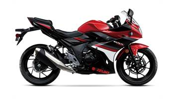2018 GSX250R - Candy Cardinal Red/Pearl Nebular Black