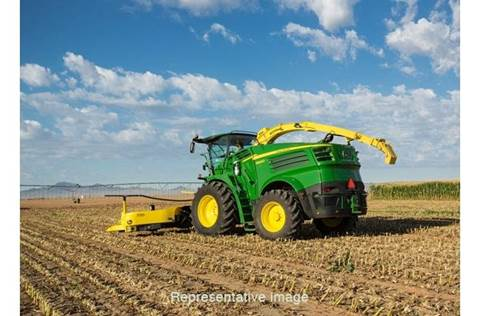 2017 8700 Self-Propelled Forage Harvester