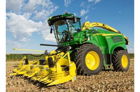 2017 8800 Self-Propelled Forage Harvester