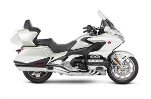 GL1800DJ - GOLD WING TOUR DCT PEARL WHITE